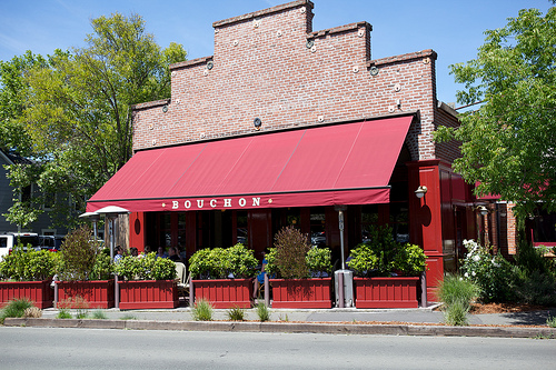Dise o exterior de restaurantes decoraci n e interiorismo - Barbacoas de diseno para exterior ...