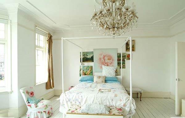 Encantador dormitorio femenino