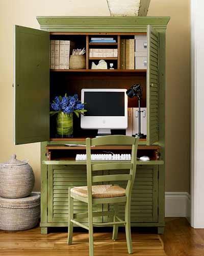 Mueble convertido en oficina