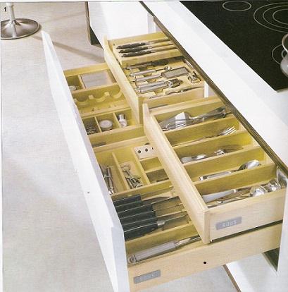 Opciones de guardado en muebles de cocina