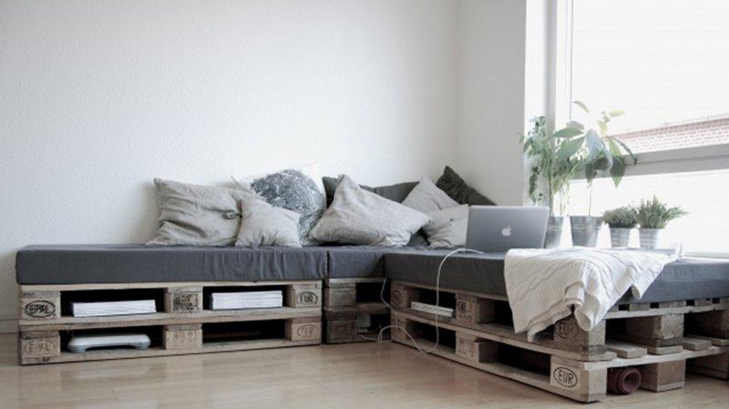 Dise ar muebles con palets decoraci n e interiorismo - Sofa de palets ...